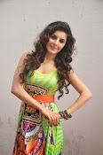 Isha talwar latest sizzling pics-thumbnail-4