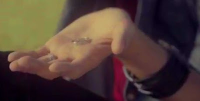 Boyfriend Minwoo engagement ring