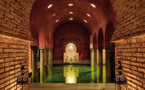 Baño Arabe Hammam Granada:Kleine Füxin in Granada: Hammam Baños Árabes