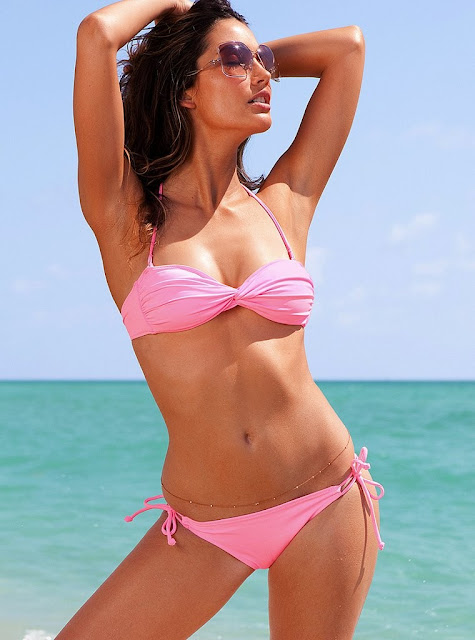 Hot Victoria Secret Model: Lily Aldridge 2011 Bikini Photo Gallery