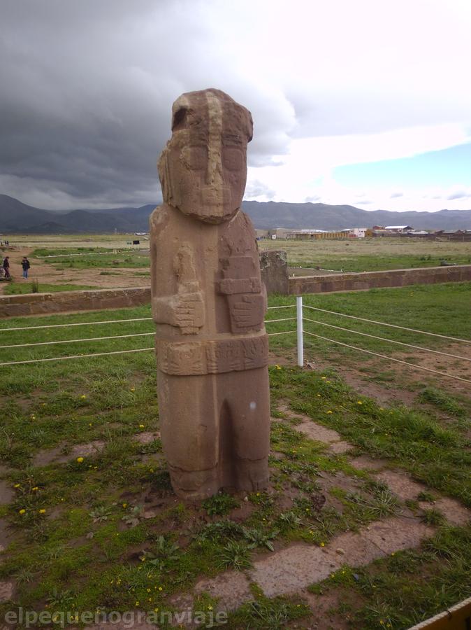 monolito tiwanaku