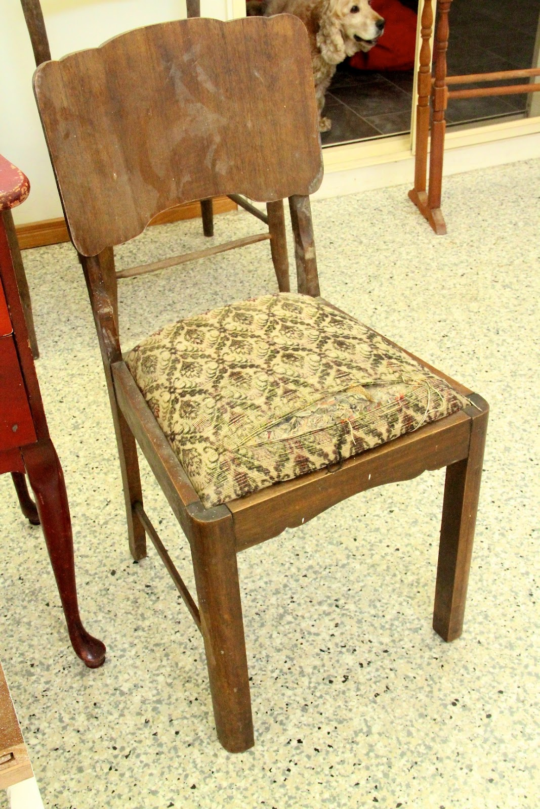 Diy Vintage Chair Recuperation. Full resolution  image, nominally Width 1067 Height 1600 pixels, image with #C02E0B.