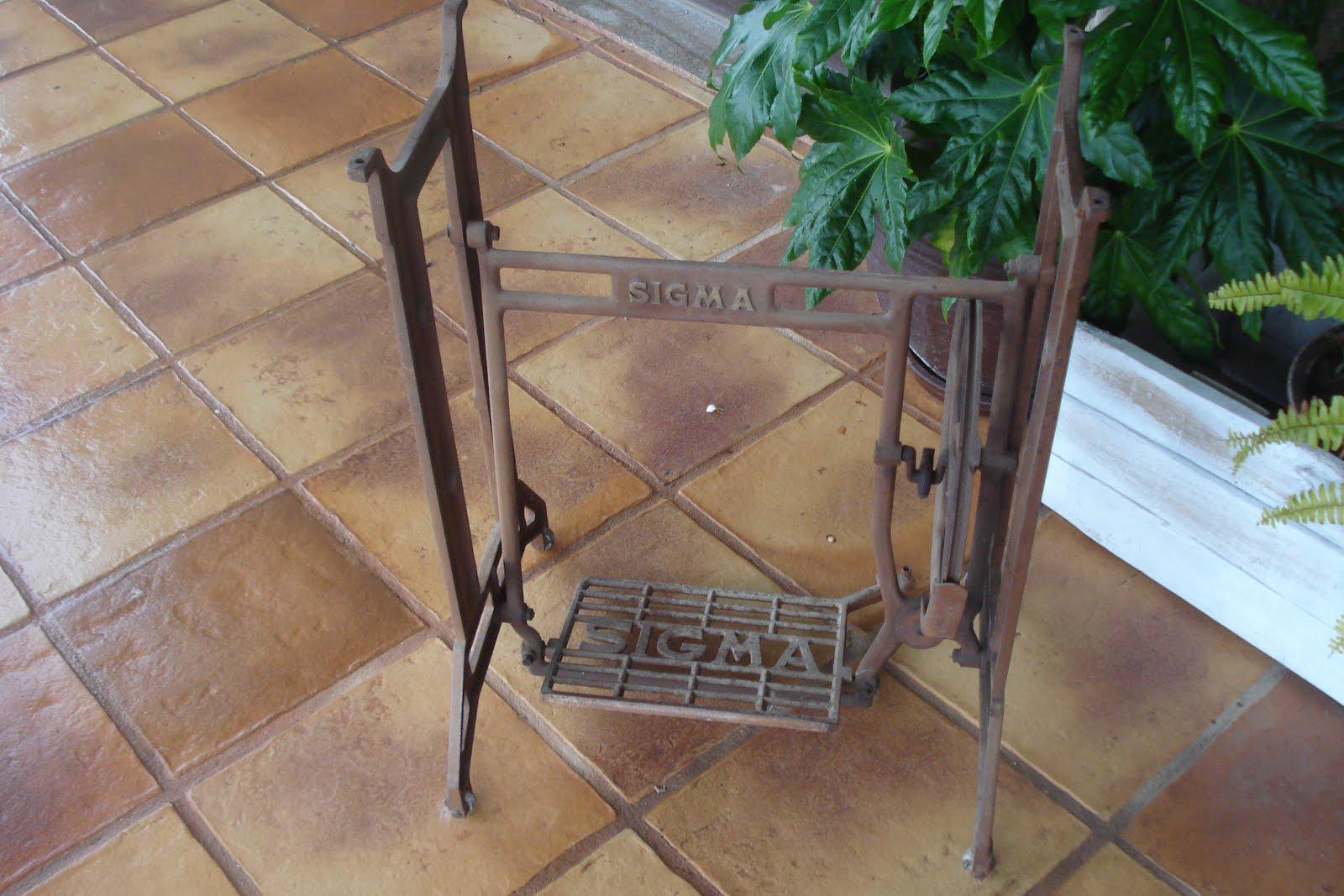 Xanela Vintage: Restaurar patas máquina de coser