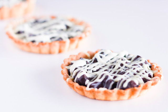 Mazurek - Easter tart with chocolate and prunes