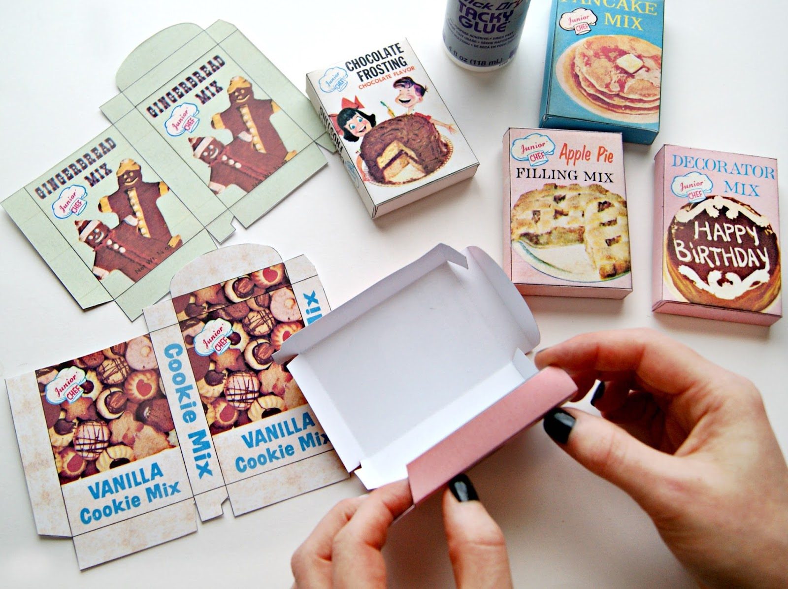 ... & Fun DIY vintage mini play food box garland…with FREE printable