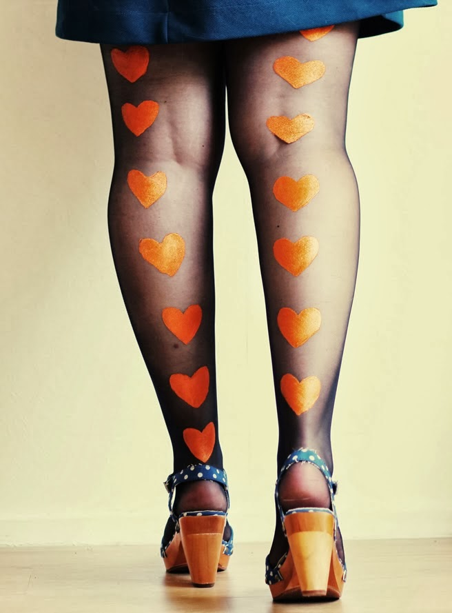 Pick- Painted tights DIY