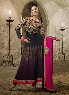 Celebrities+in+Indian+Designers+Anarkali+Salwar+Suits+2013007