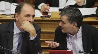 Άνοιξαν την πόρτα στα κοράκια των distress fund για τα «κόκκινα δάνεια» - Στη Βουλή σήμερα ο εφαρμοστικός νόμος