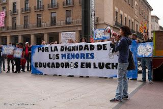 Educadores en lucha piden ayuda al gobierno de Aragón