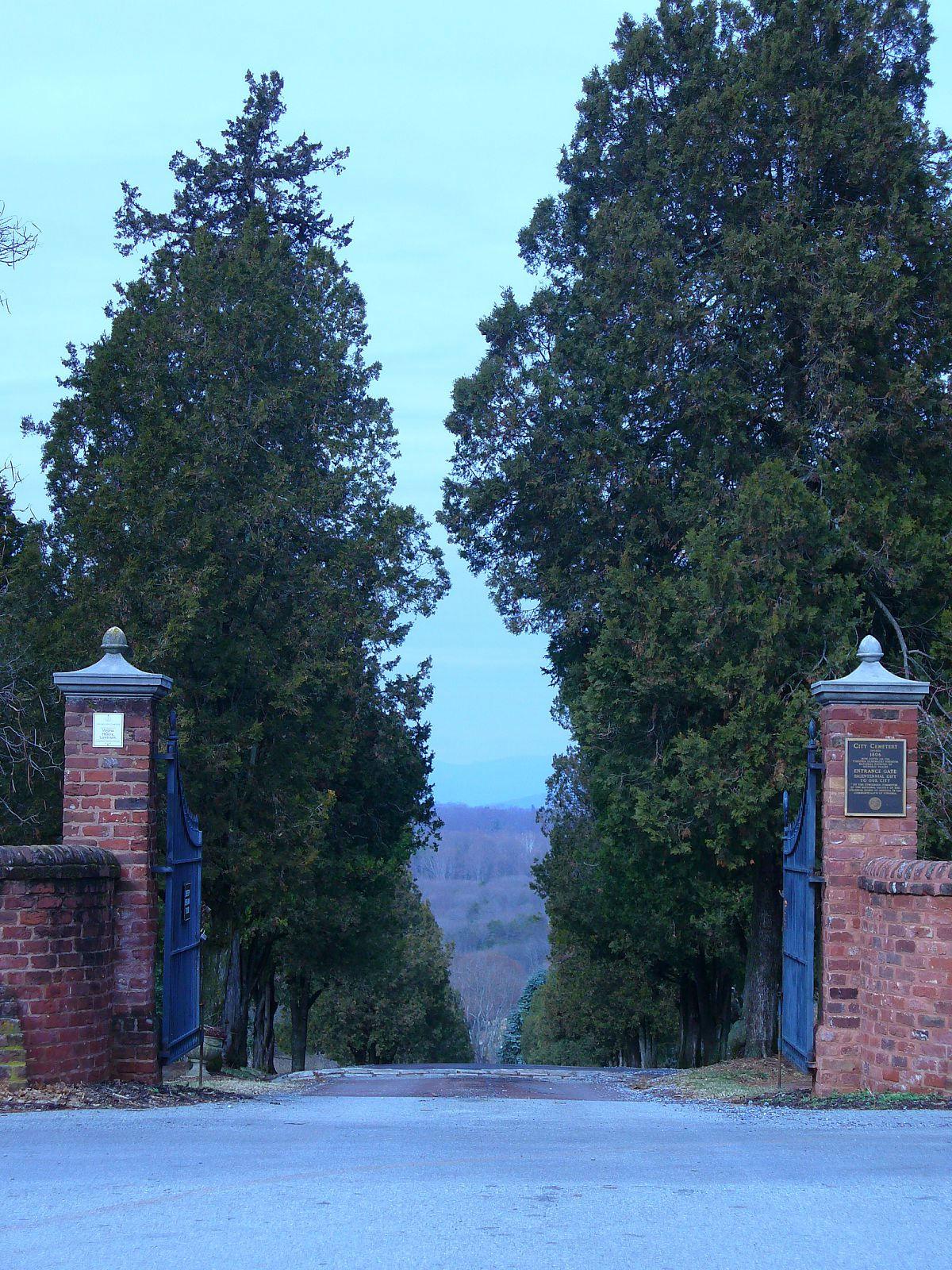 http://1.bp.blogspot.com/-avbQywc9xFw/TiBdk6GrNYI/AAAAAAAABD0/segE_1CwZ_0/s1600/entrance1.jpg