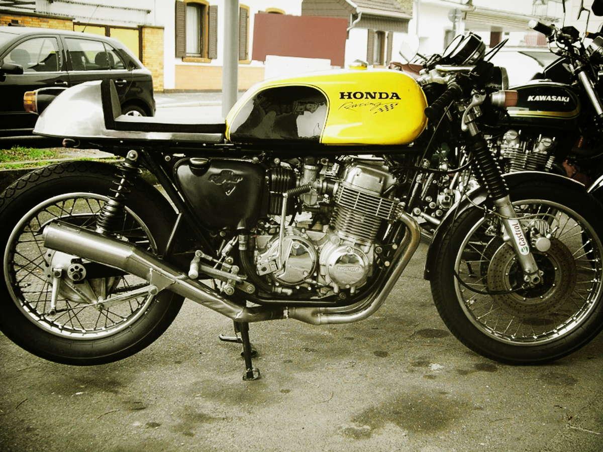 une honda four... classique Honda+CaferacerY+CB