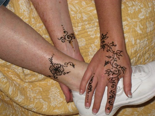 flames onthesideofmyface henna tattoo photos designs. Black Bedroom Furniture Sets. Home Design Ideas