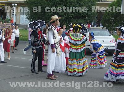 Costume populare traditionale mexicane