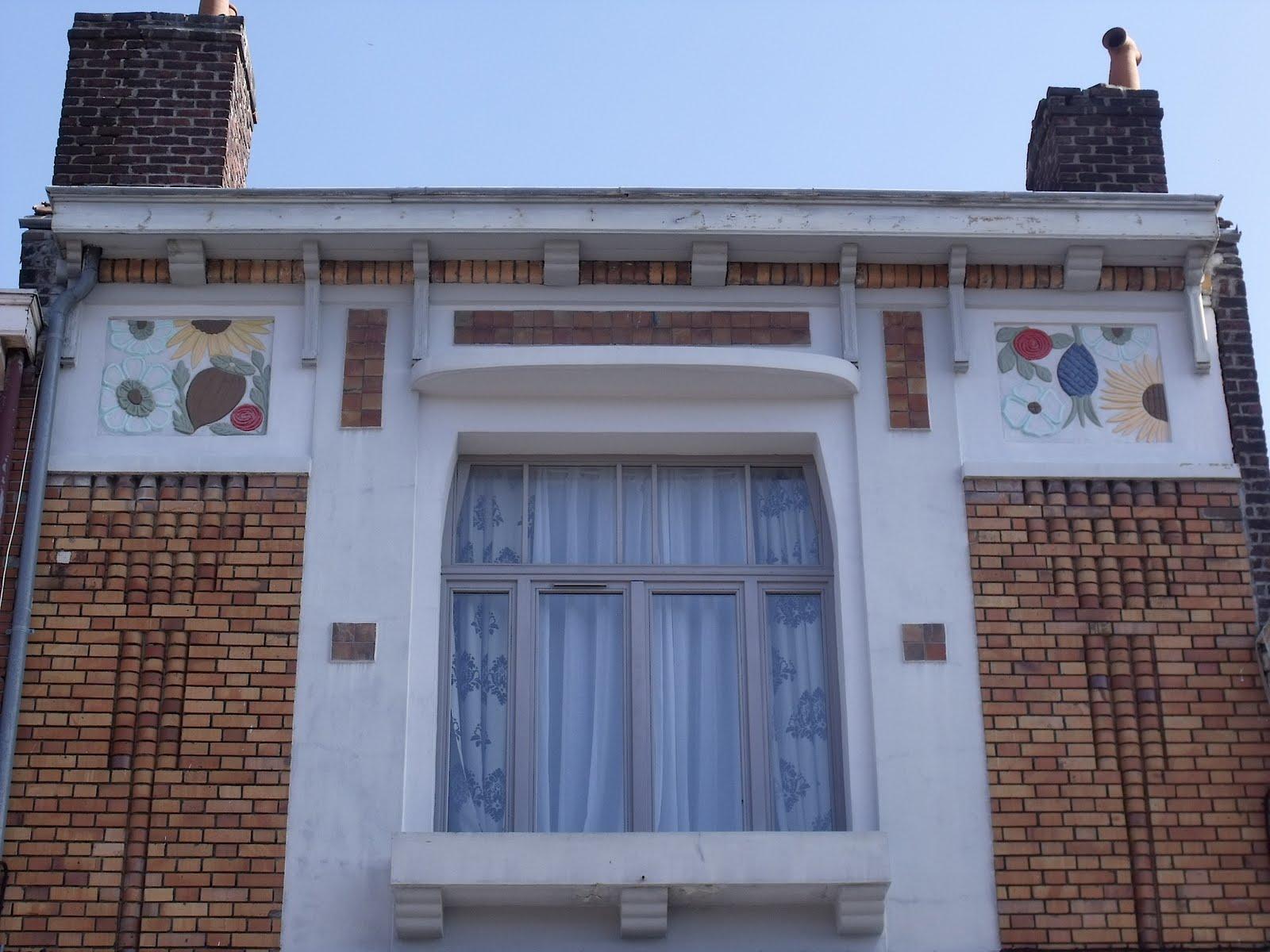 Lille l 39 art nouveau et l 39 art d co lille fives rue chappe for Maison en stuc