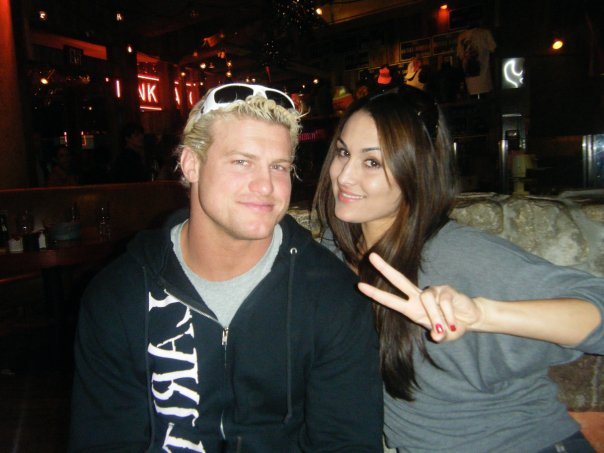 Who is currently dating in the wwe