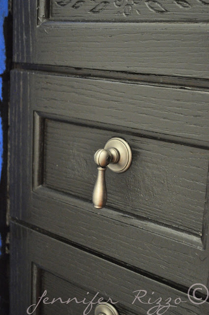 Use fancy handles to make a cbainet look new and updated