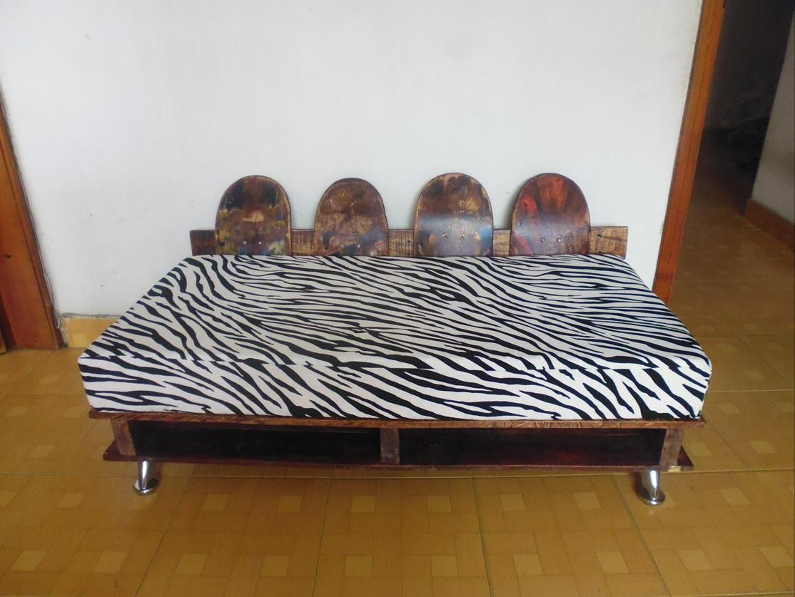 Position des pieds de table pour une table immobile (et robuste)