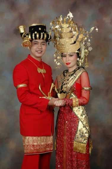 Pakaian Adat Sumatera Utara - GPS Wisata Indonesia