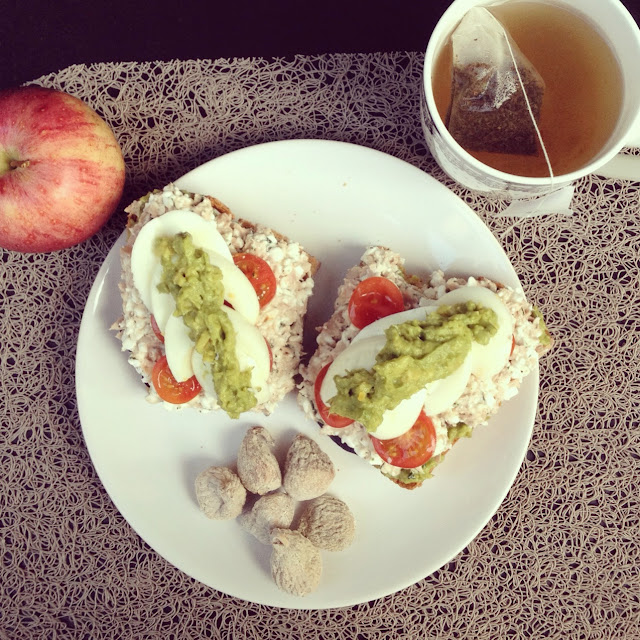 Tartine thon, cottage cheese, avocat