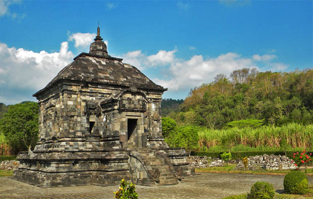 Candi Peninggalan Agama Budha
