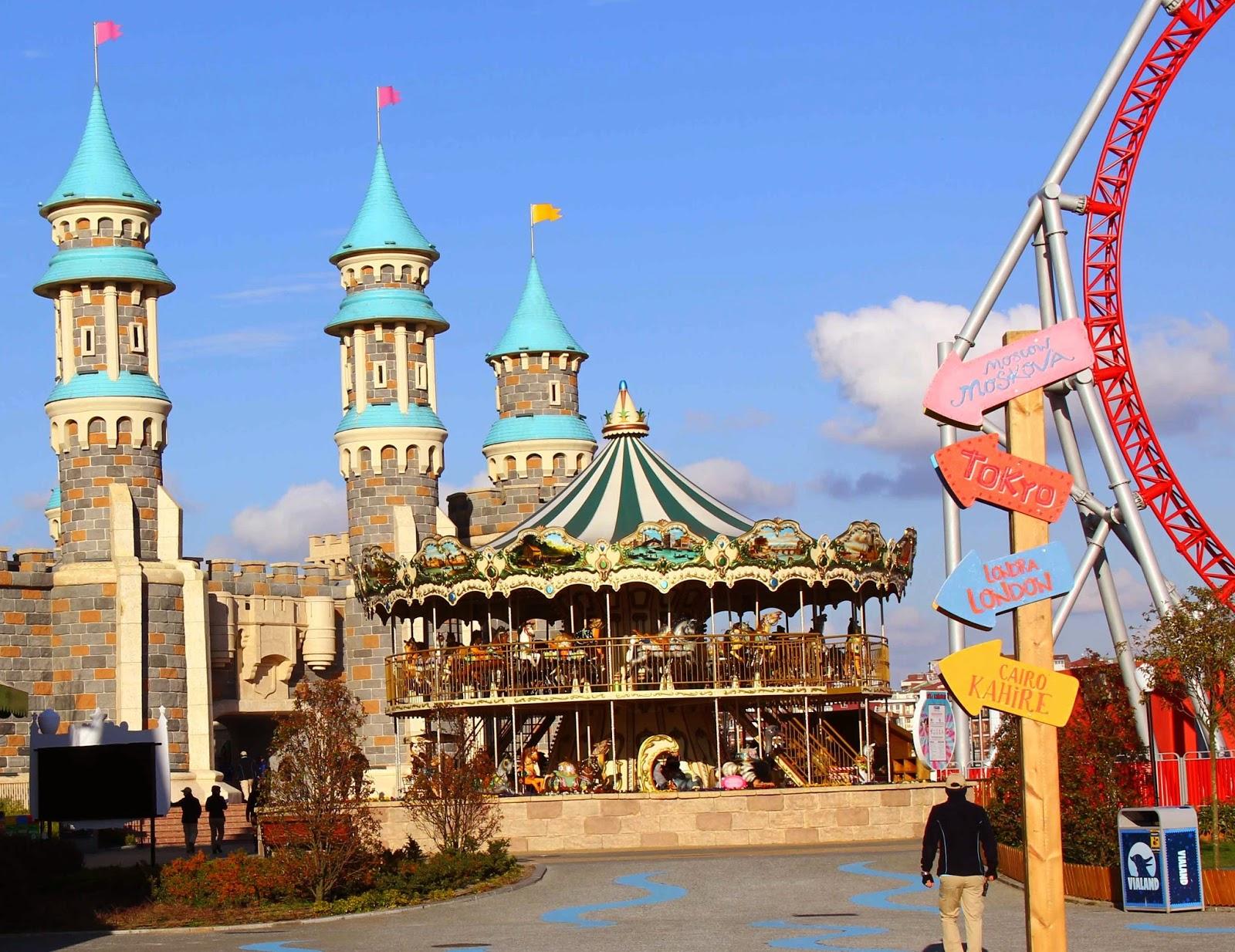vialand - atlıkarınca - carousel - vialand giriş - temapark