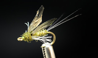 Real Mayfly blue winged olive bwo baetis dry fly pattern