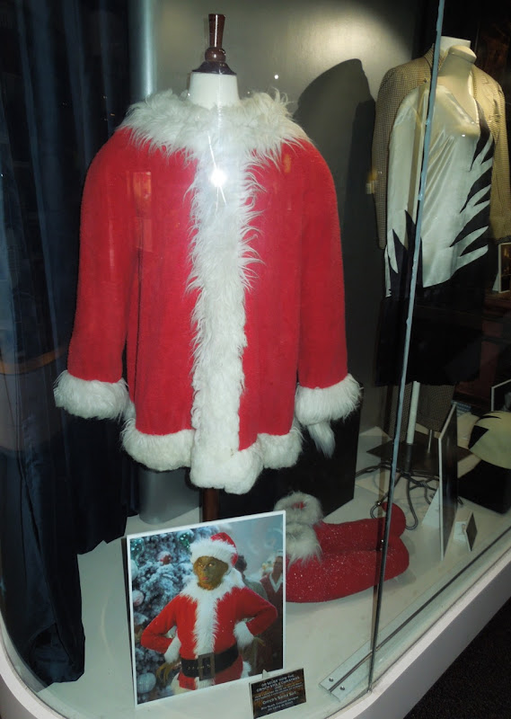 Jim Carrey Grinch Santa suit