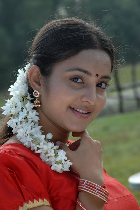 Actress Bhama Gallery hot images