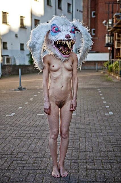 Порно фото голые девушки в масках