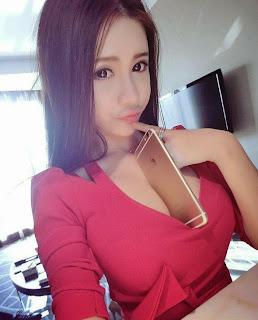 belahan dada sexy
