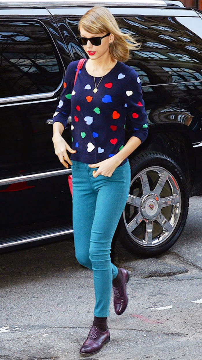 Taylor Swift Street Style - Have Fun With Printed Clothes