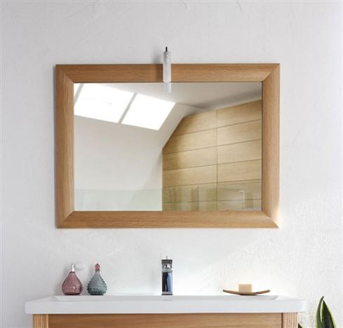 Casa dolce casa luce e specchio bagno shabby chic for Una cornice a casa libera