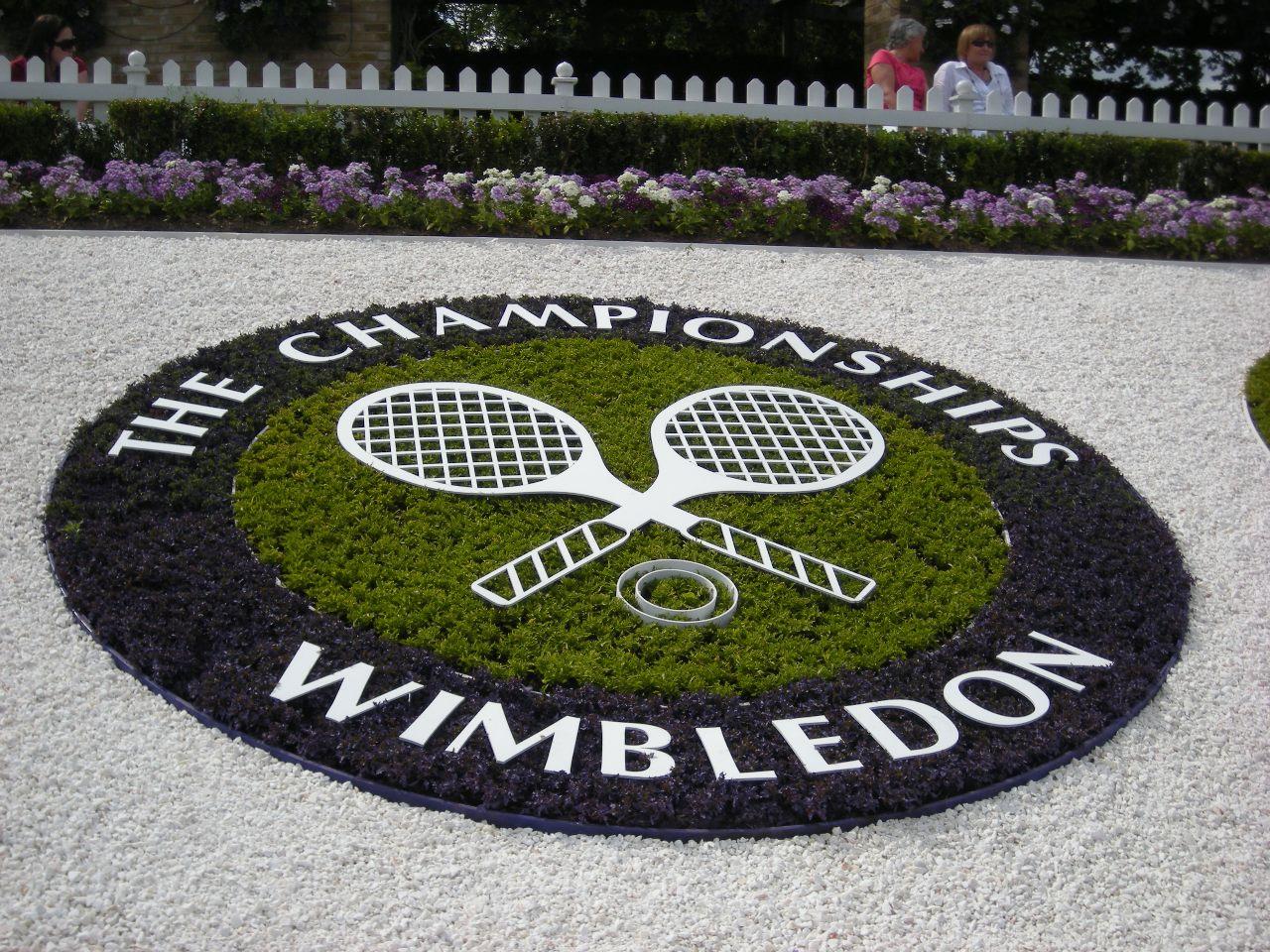 tennis fans club wimbledon championship. Black Bedroom Furniture Sets. Home Design Ideas