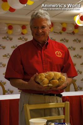 Steve Oakes with Amoroso Rolls