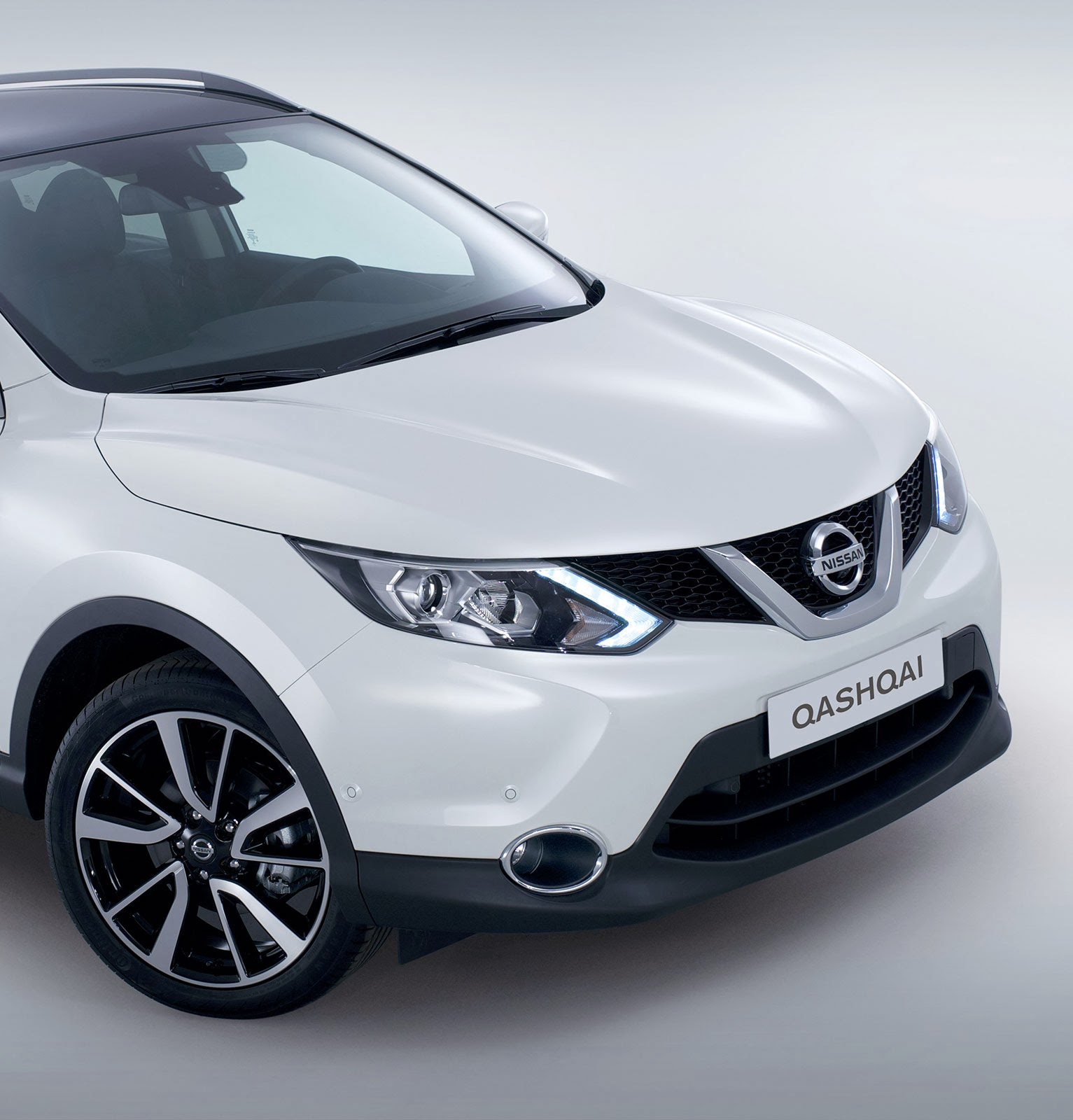 nissan qashqai 2014 photo gallery cars 2015 pics hub. Black Bedroom Furniture Sets. Home Design Ideas