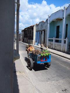 Santiago de Cuba calle calvario horse-cart