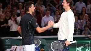 Zlatan Ibrahimovic joue au tennis avec Novak Djokovic