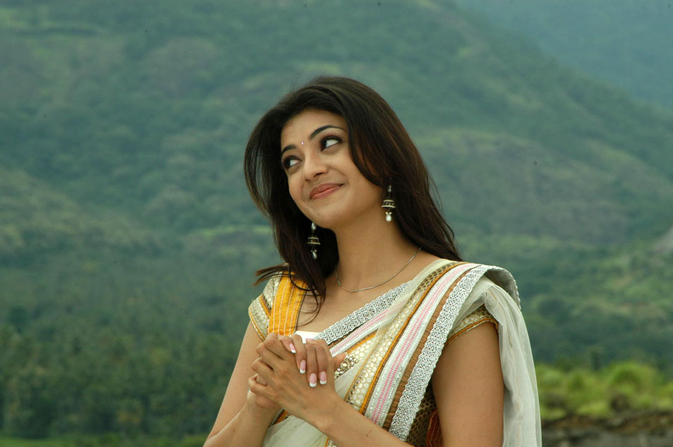 Bollywoodand Hollywood Actress wallpaper and other: Kajal ...
