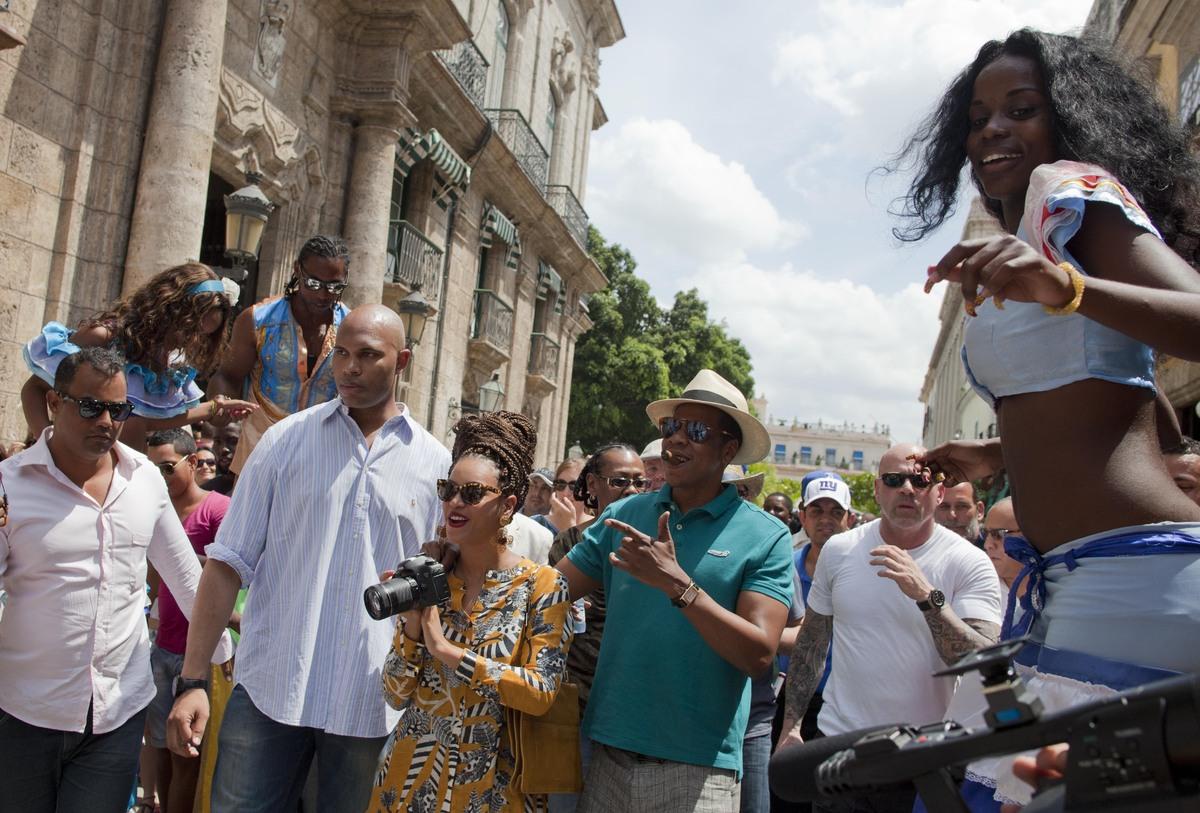 http://1.bp.blogspot.com/-aye-vj02Qj8/UV6D0WHMVsI/AAAAAAAAjuQ/4n5paCDhNlU/s1600/Jay+Cuba+11.jpg