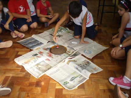 Erupção na sala de aula.