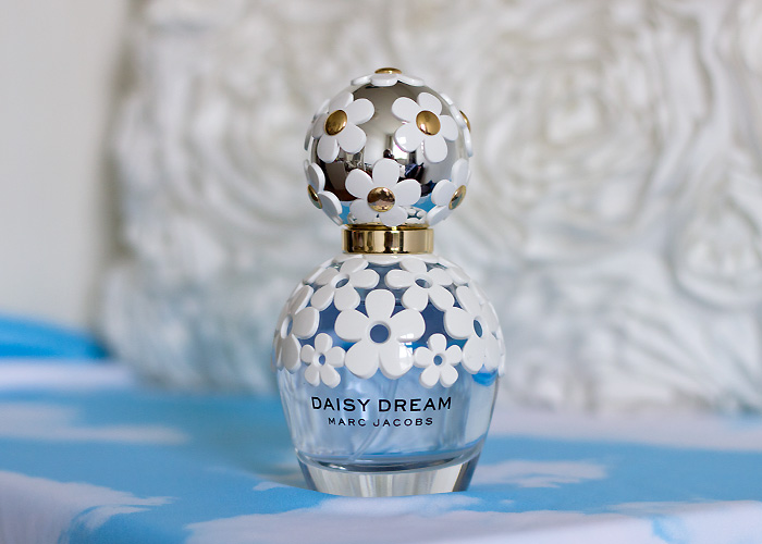 Marc Jacobs Daisy Dream fragrance bottle 50ml