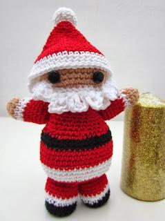 http://elhogardelaslanas.com/2013/12/03/amigurumi-para-navidad-papa-noel/