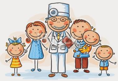 Médico con la familia a la que atiende