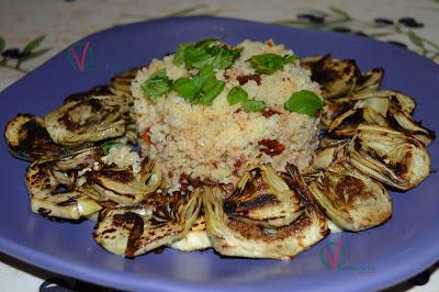 Alcachofas a la plancha con cuscús de tomates secos.