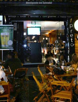 Bar Preto: Fachada