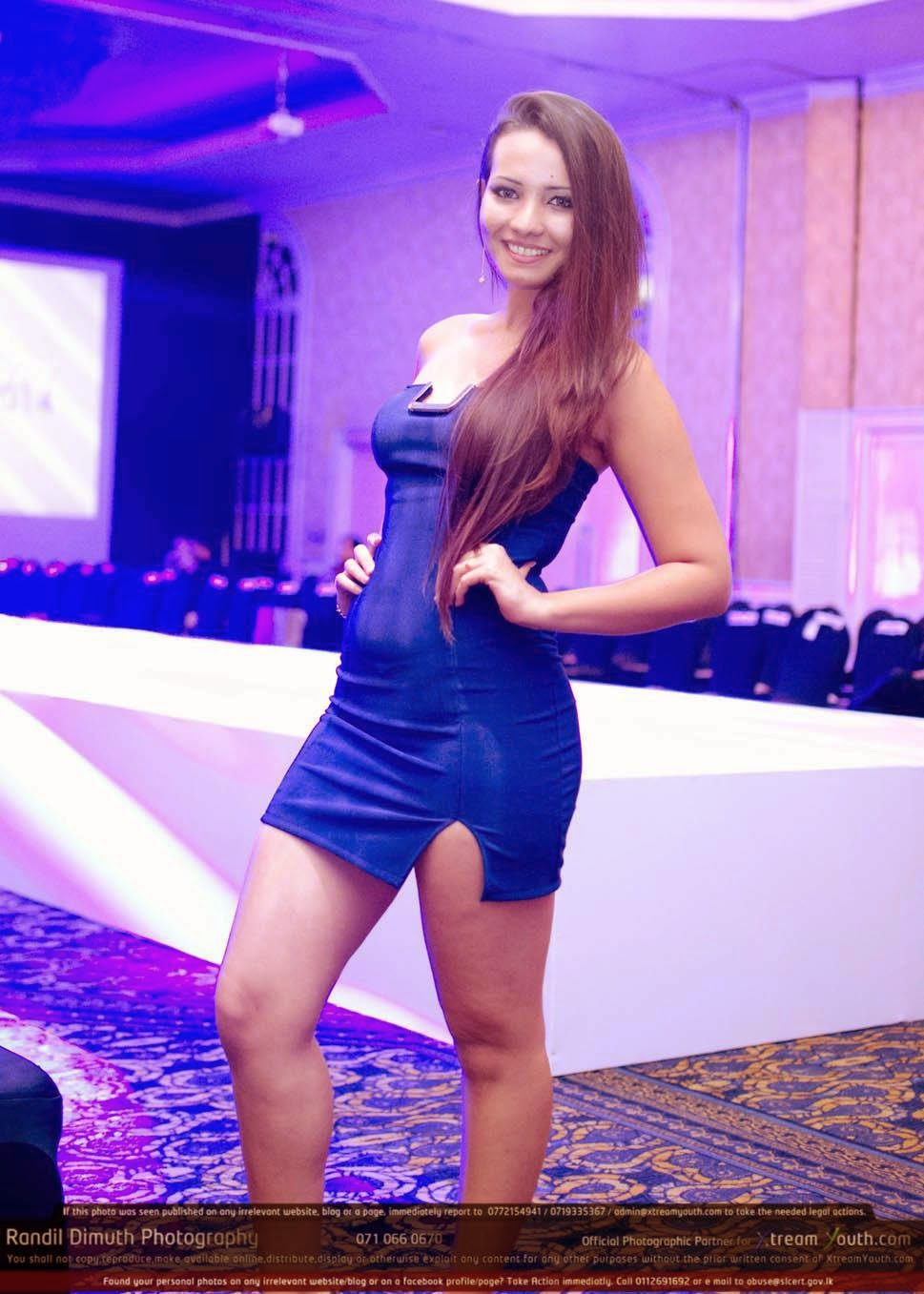Maria Yusefovna thighs show
