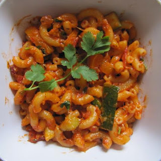 Pasta with Tomato and Basil Sauce