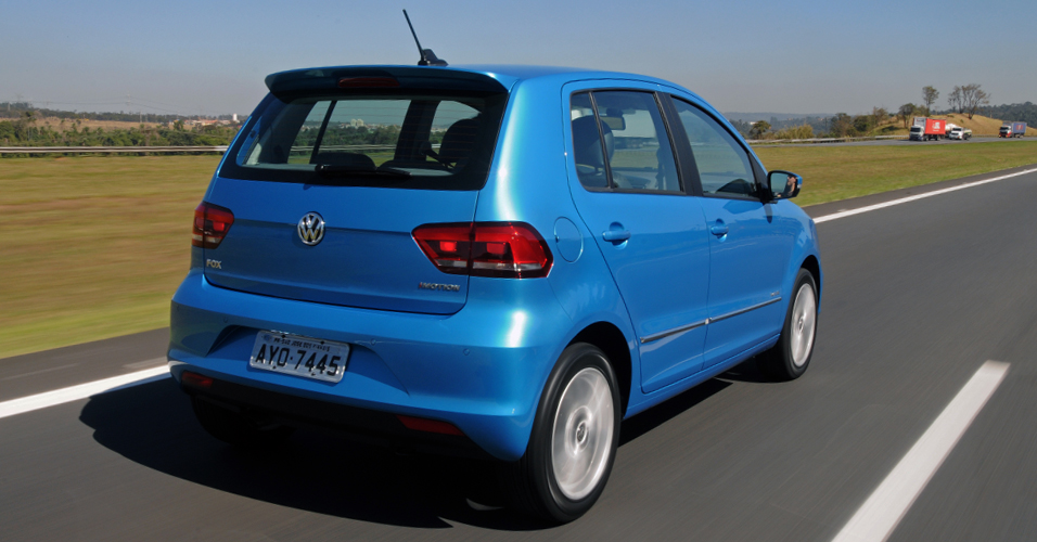 Fotos do Volkswagen Novo Fox 2015 azul