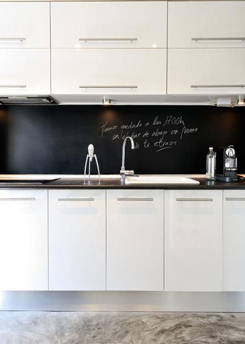 M s de 1000 ideas sobre paredes de pizarra de cocina en for Cocina industrial blanca