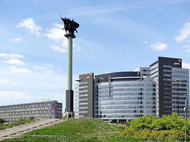 Pomnik 1000 lat Jazdy Polskiej